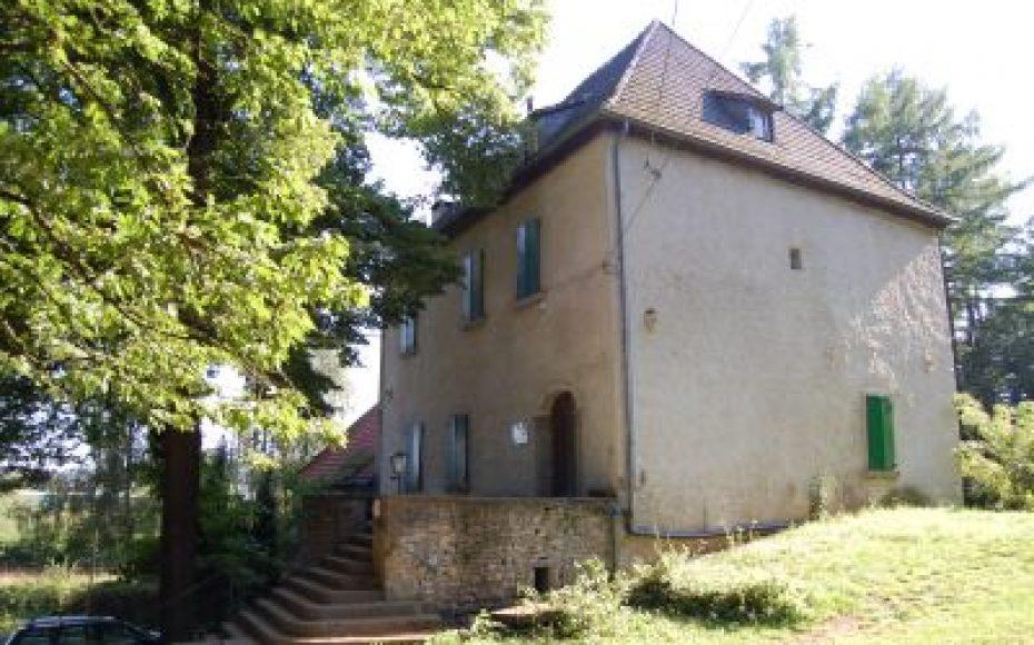Die Burg Husen