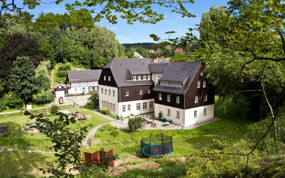 Haus und Außengelände