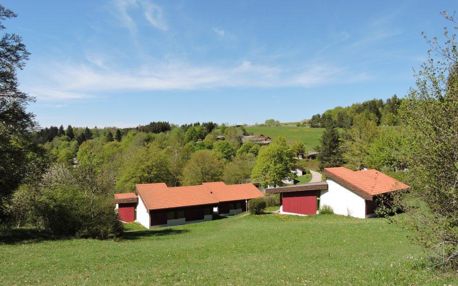 Das Oberdorf mit der herrlichen Landschaft dahinter