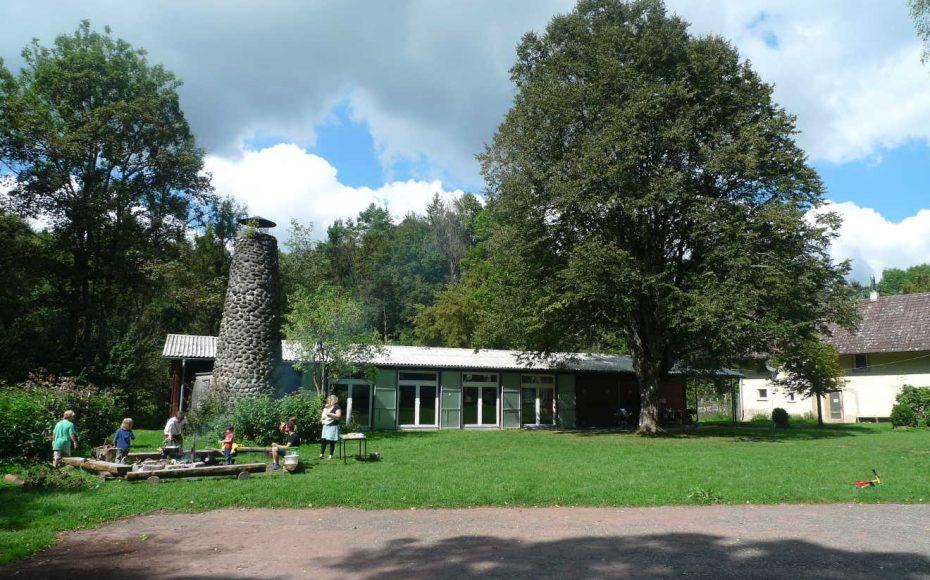 Ferienheim Haslachmühle – Taghaus mit Feuerstelle