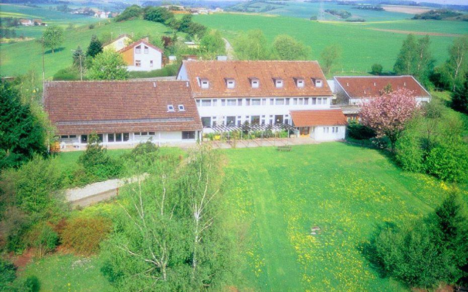 Haus mit Gelände