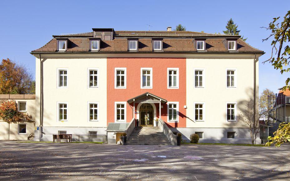 Karl-Eberth-Haus image 1